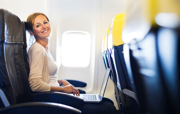 How-To-Feel-Comfortable-And-Stay-Relaxed-On-A-Plane