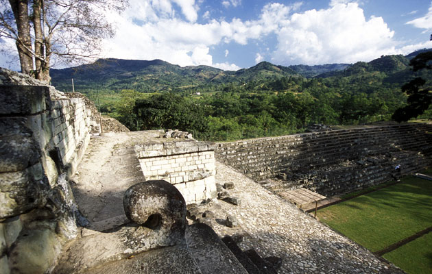 Dive-Into-The-Beauty-Of-Honduras